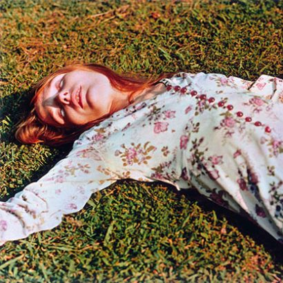 ویلیام اگلستون / دختر روی چمن / 1975