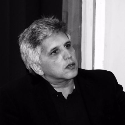 آریاسپ دادبه، استاد نقاشی و متفکر ایرانی است.